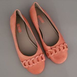 ECCO Kelly Chain Ballet Coral Flats NWOT